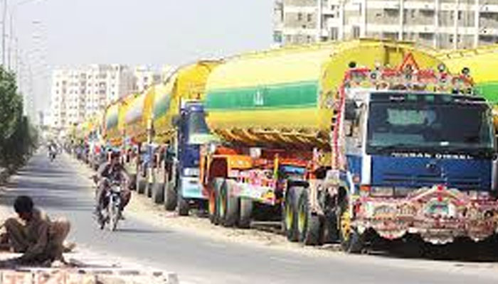 Sindh governor persuades oil tankers, goods carriers to end
