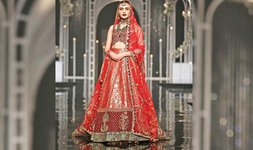 ca450aac44 Sadaf Kanwal dons a Nilofer Shahid ensemble from her collection 'Badshah  Begum 2018', that pays a rich tribute to the legendary Mughal Empress Nur  Jahan.