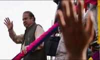 Nawaz finally arrives home,  seeks explanation for ouster in Lahore rally