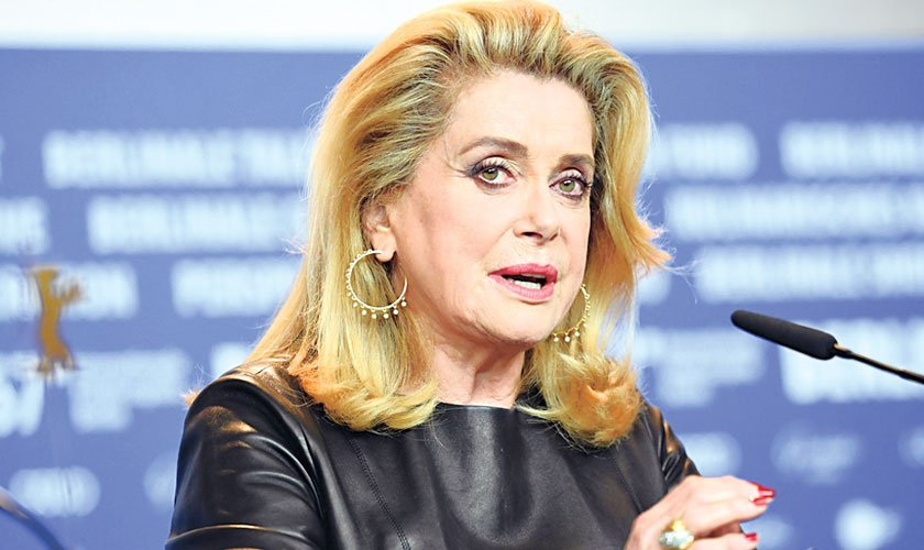 Deneuve, others denounce the #MeToo movement