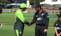 New Zealand opt to bat in 3rd ODI