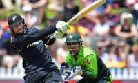Hasan, raees limit New Zealand to 257 in 3rd ODI