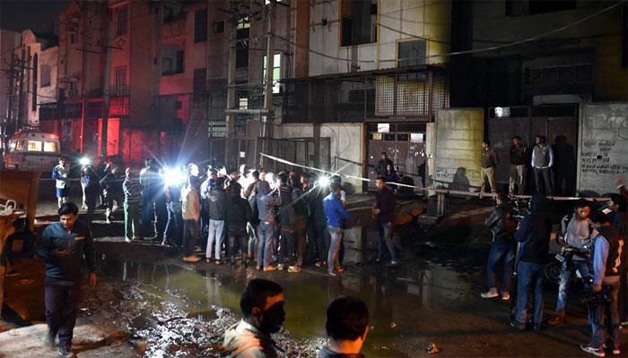 Nine killed in massive fire in Delhi warehouse