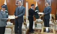 FIA officers who foiled Rao Anwar's escape bid receive certificates of appreciation