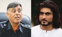 Naqeebullah murder case: SC asks police to arrest Rao Anwar within three days