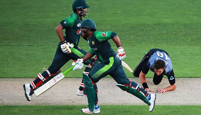 Pakistan opt to bat in final T20I