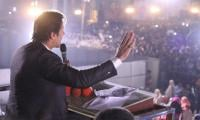 Imran addresses rally in Lodhran despite ECP warning
