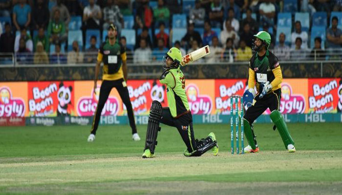 Islamabad United face early blows while chasing 177 against Peshawar Zalmi