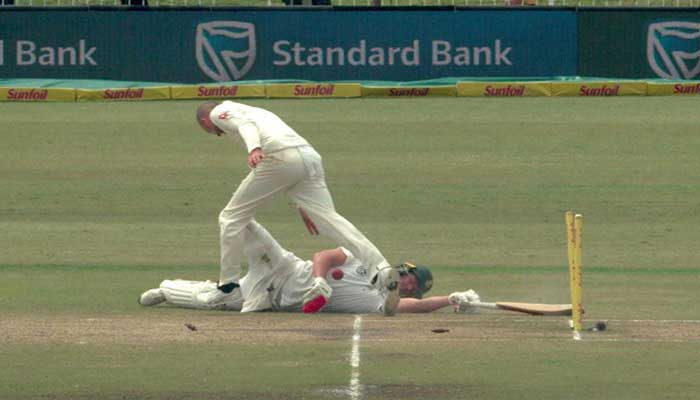 Australia power towards victory as S.Africa fall apart