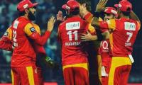 Duminy shines as United outplay Zalmi to top points table