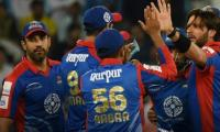 Karachi qualify for playoffs after beating Islamabad