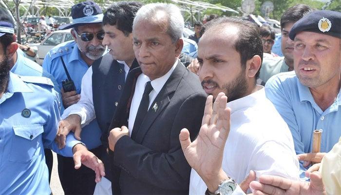 SC accepts Nehal Hashmi's apology, withdraws contempt notice