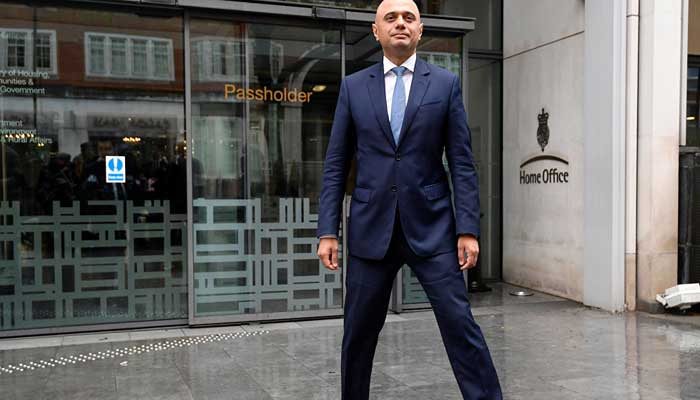 UK Home Secretary Amber Rudd resigns over Caribbean immigrant scandal
