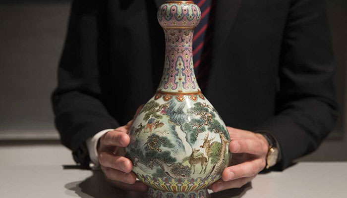 Chinese vase discovered in shoebox sells for $25 million