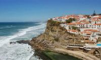 Selfie-taking Australian couple fall to death in Portugal