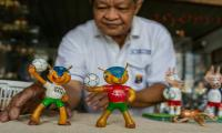 FIFA World Cup 2018: Vietnamese craftsman makes World Cup mascots from eggshells