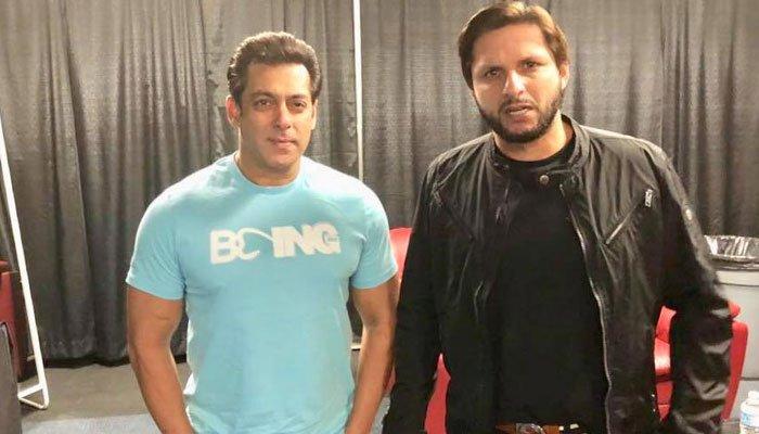 Shahid Afridi meets Salman Khan during event in Canada