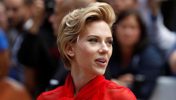 Bisexual Scarlett johansson