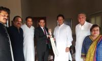 Indian HC Ajay Bisaria calls on Imran Khan, felicitates him on victory