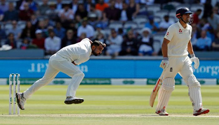 Twitter explodes as England crushed India