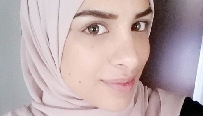 'Don't cry, don't cry': Swedish Muslim woman details handshake case humiliation