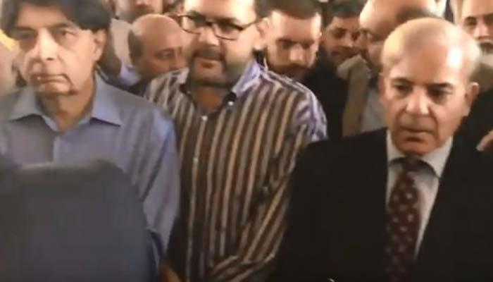 Flight carrying Kulsoom Nawaz's body departs for Pakistan