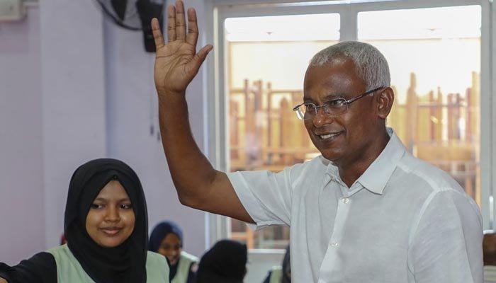 Maldives opposition takes 'early lead' in tense presidential poll