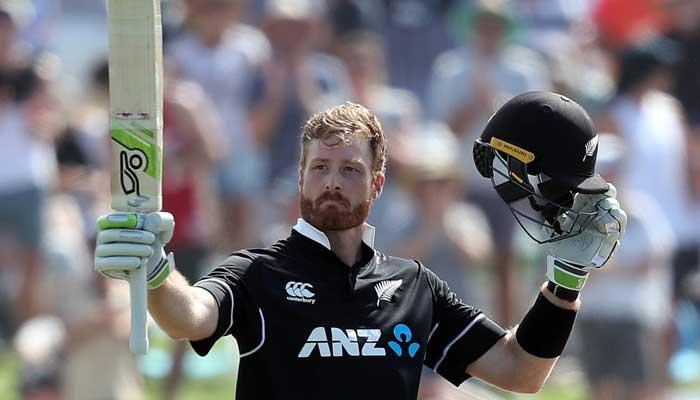 Guptill has blast as New Zealand post 371 against Sri Lanka