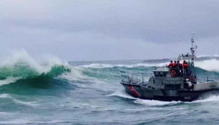 Crab fishing boat capsizes, three crew dead