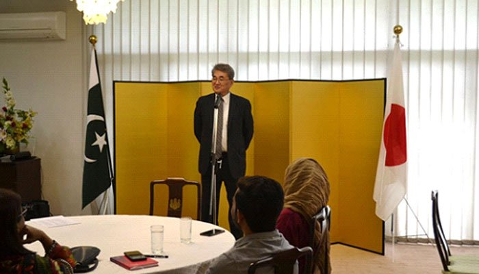 Japanese Consul-General addresses orientation for MEXT