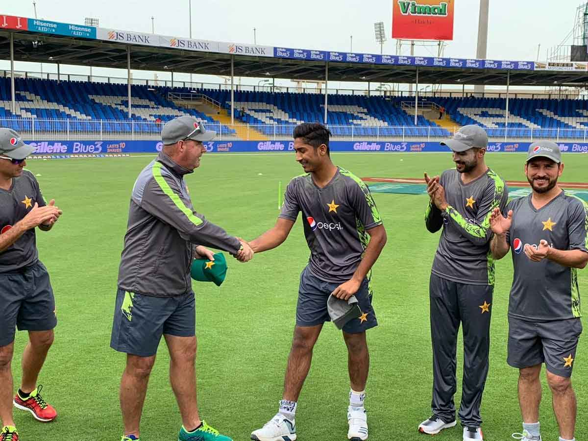Hasnain debuts as Pakistan bat in 2nd ODI against Australia