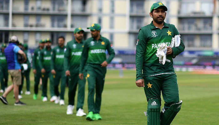 West Indies wins the toss, sends Pakistan in to bat