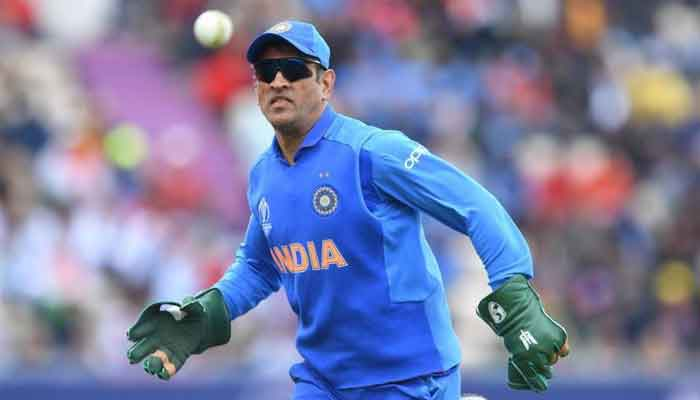 ICC says no to dagger emblem on MS Dhoni's gloves