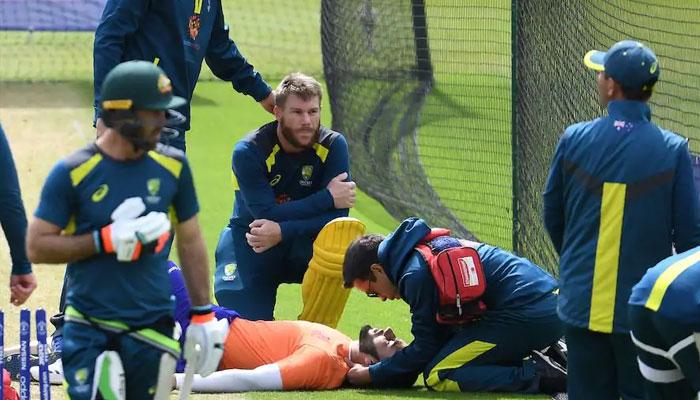 Australia outclass Sri Lanka to go top of Cricket World Cup