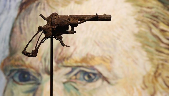 Gun 'Van Gogh killed himself with' sells for 162000 euros