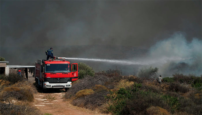 Strong winds fan wildfires in Greece | World | thenews com pk |