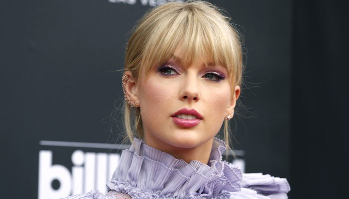 Taylor Swift Gifts $6,000 To Pay Canadian Woman's Tuition: 'Get Your Learn On, Girl!'