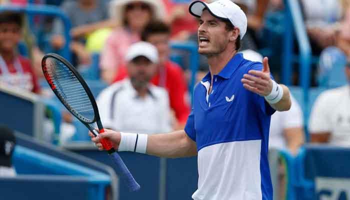Murray wins first singles match since hip surgery