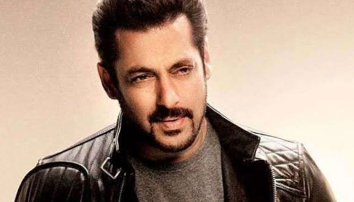 Bhaijaan Salman Khan Makes Big Announcement On Dabangg 3