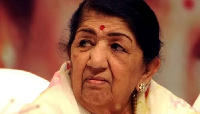 Lata Mangeskar back home after 28 days of hospitalisation