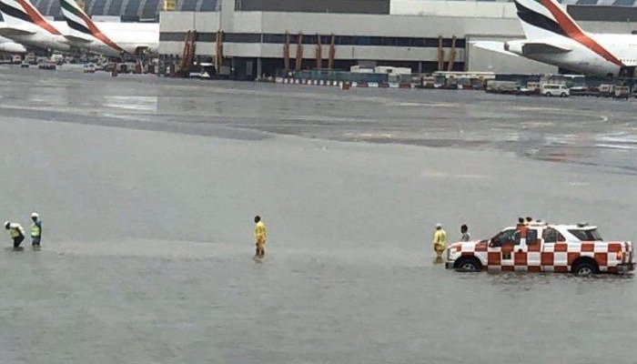 Heavy rain causes flooding, flight delays in Dubai
