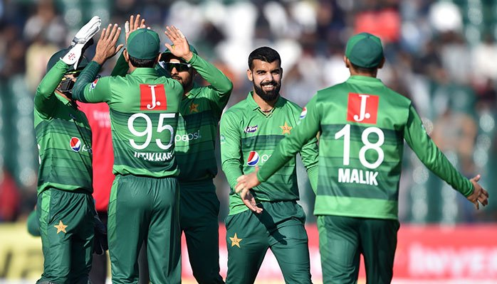 Bangladesh cricket team arrives in Pakistan for T20 series