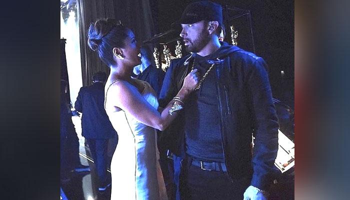 Salma Hayek red-faced, wet after Eminem meeting at Oscars