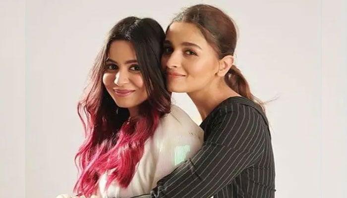 Photo of Alia Bhatt  & her Sister  Shaheen Bhatt