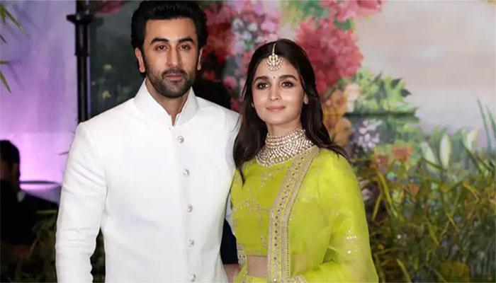 Alia Bhatt with kind, Boyfriend Ranbir Kapoor
