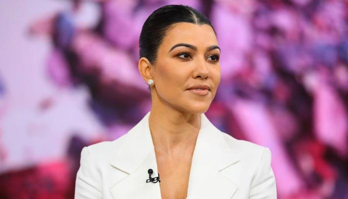 Fans slam Kim Kardashian for sharing 'unflattering' photo of sister Kourtney