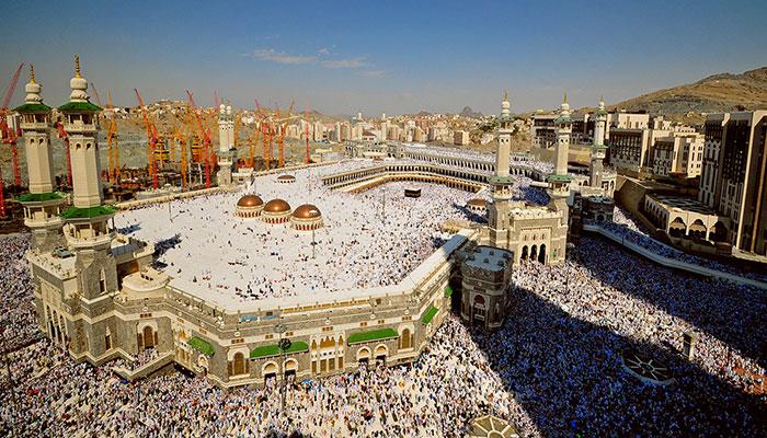 Saudi top religious authority recommends home prayers in Ramadan amid coronavirus