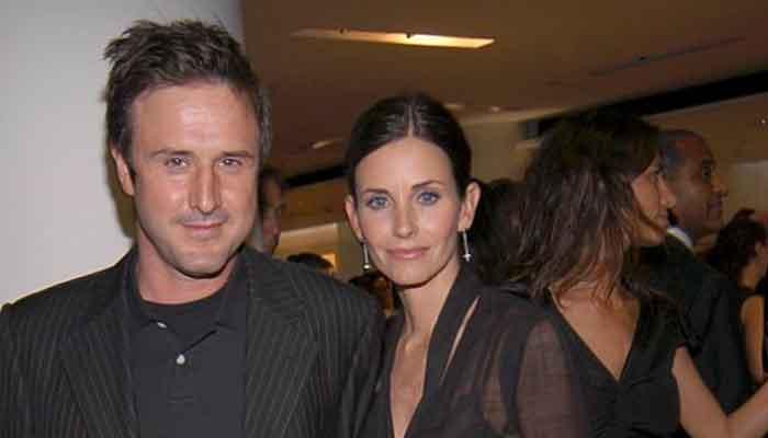 Jennifer Anistons pal Courteney Cox indulges in Friends, reveals favourite episode