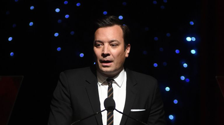 Jimmy Fallon apologizes on-air for blackface