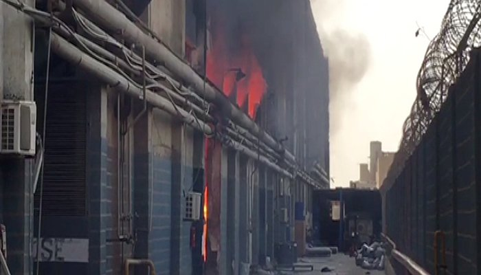 Fire doused at Karachi superstore following four hours
